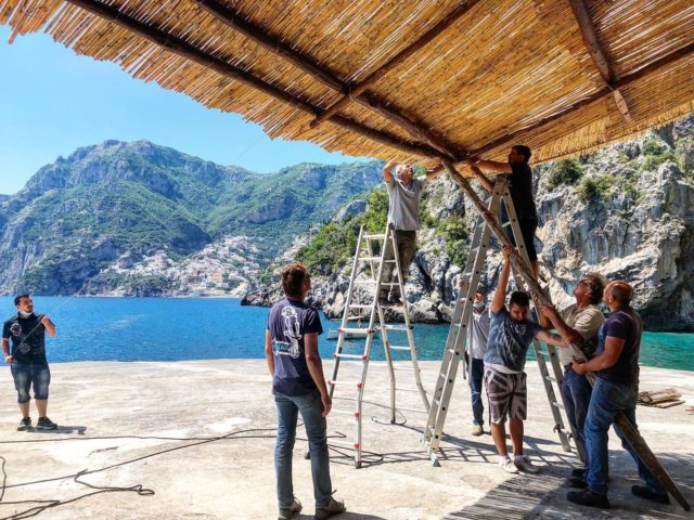 Raise the roof! It's all hands on deck now getting the San Pietro ready for opening day, starting with the most popular spot after the grand terrace: the Beach Club.#ilsanpietrodipositano #openingsoon #july3rd #sunnyskies #relaischateaux #positano #amalficoast #ilsanpietro