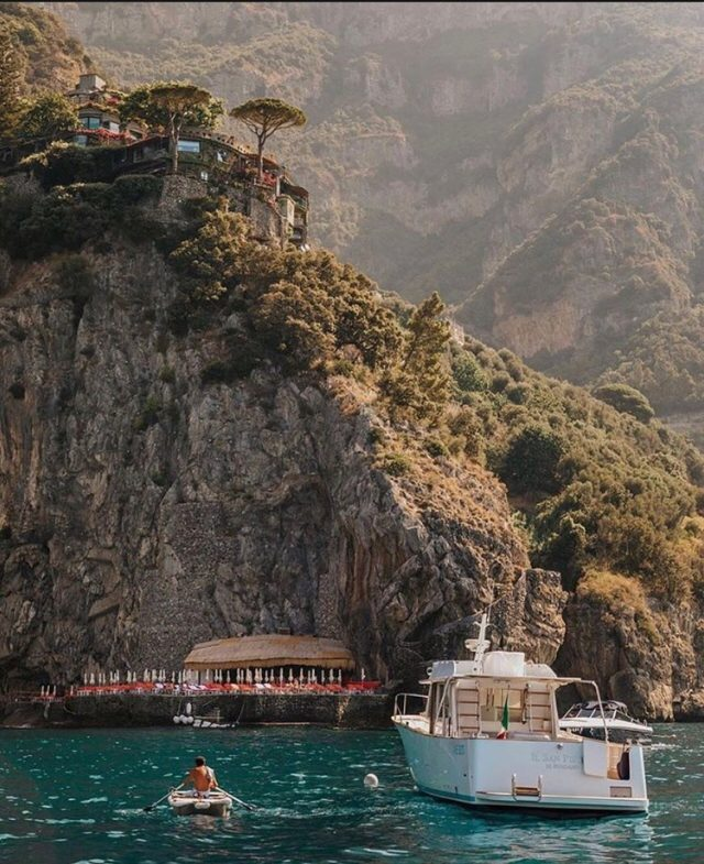 """Mentally we are here. Care to join us?"" As recently featured in Condé Nast Traveler.""Con lo spirito siamo qui. Ci raggiungete?"" Cosi titola recentemente Condé Nast Traveler.@cntraveler #ilsanpietrodipositano  #relaischateaux #positano #amalficoast"