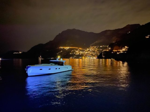 If Positano by day is a postcard, Positano by night is dreamlike. Imagine experiencing this mesmerizing beauty aboard The Dreamer. The boat will be available for our guests' private use next year.Se Positano di giorno è una cartolina, di notte è un sogno. Immaginate di godervi questa bellezza ipnotizzante dal The Dreamer. La barca sarà disponibile per il noleggio privato a partire dall'anno prossimo.#ilsanpietrodipositano #thedreamer #postcardpicture #relaischateaux #positano #amalficoast